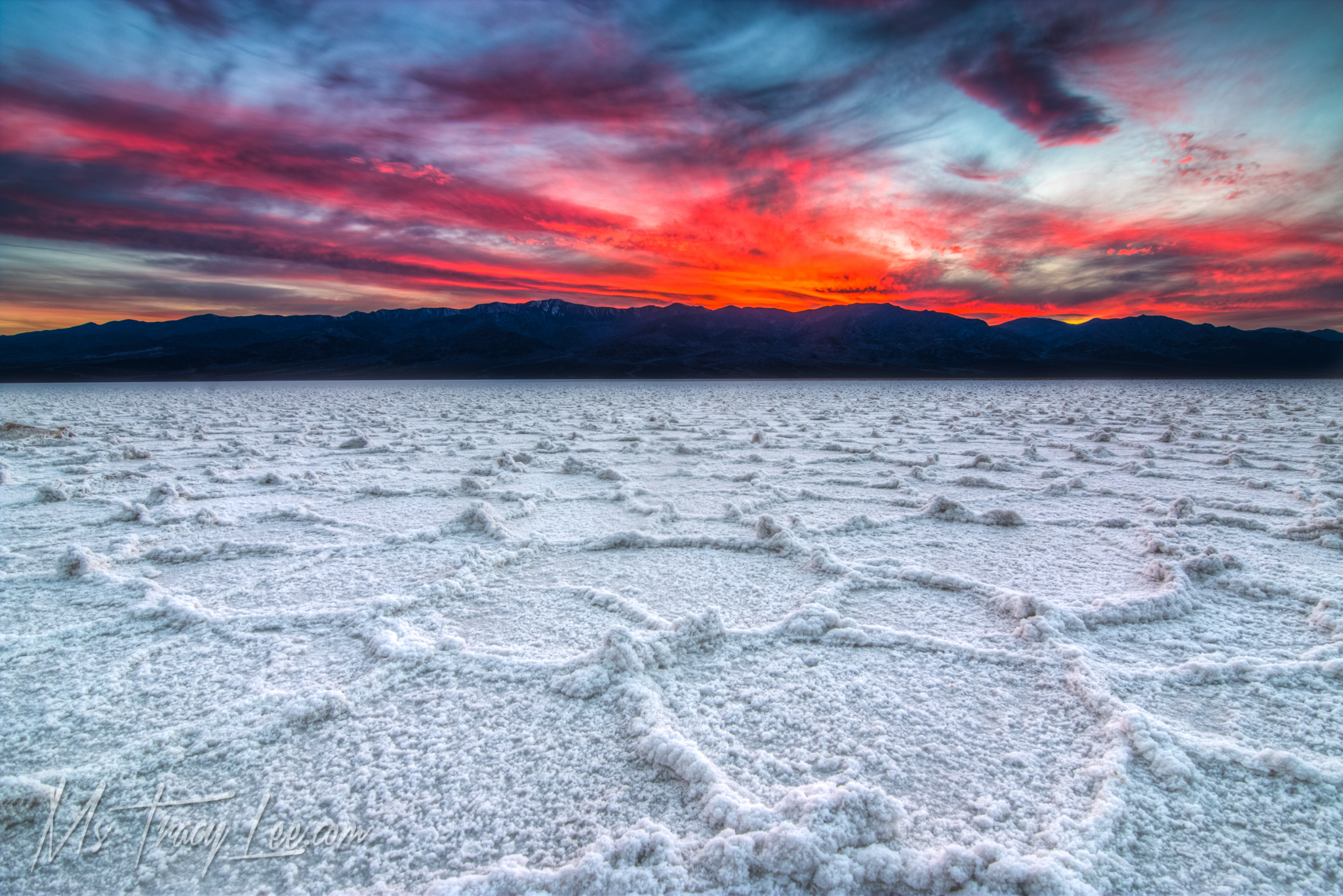 death-valley-salt-flat-racetrack-playa-eureka-sand-dunes-sunset-sunrise-tracy-lee-14