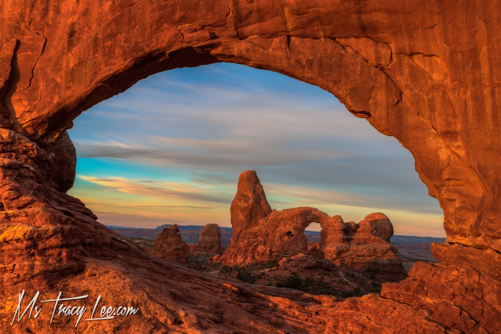 north-window-turret-arch-sunrise-tracy-lee-arches-national-park-moab